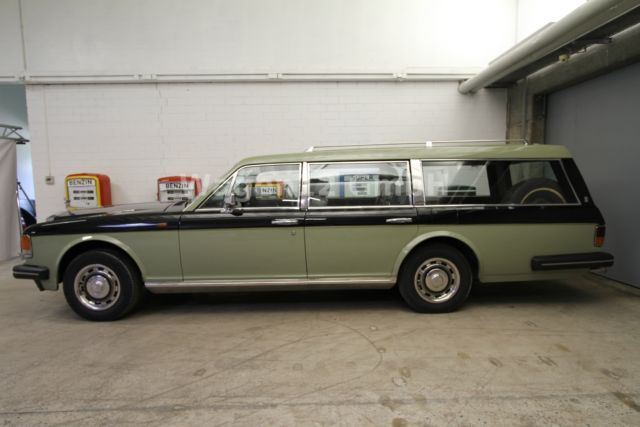 Rolls-Royce Silver Spirit Estate Car. An ugly box, messing up what was never the best Rolls-Royce anyway .... and then painting it two tone green! Weird