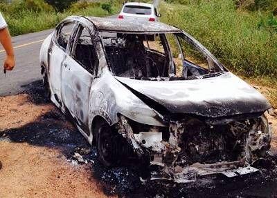 Noticiário de Hoje: Tanhaçu: bandidos roubam armas e coletes dentro de...