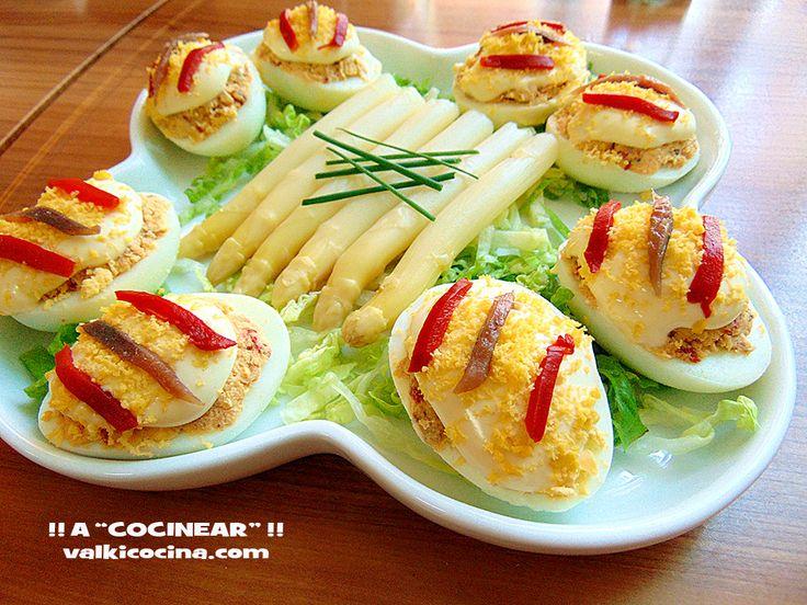 Huevos rellenos de pimientos del piquillo y anchoas