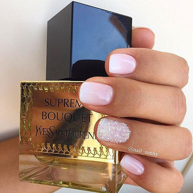 Ombre nails+ swarovski pixie + manicure+ gel polish = 2200₽ (34$, 30€)