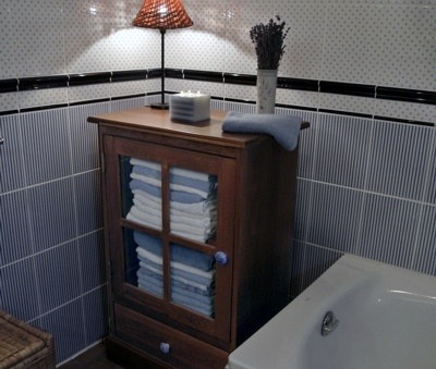 Bathroom with bathtub - Luxury Villa Art at Lake Balaton