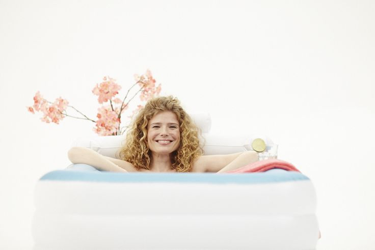 Relaxing in your very own bathtub. This is now finally possible, even if you have a small bathroom. The solution is Tubble! #bathtub #inflatable #relax #spa