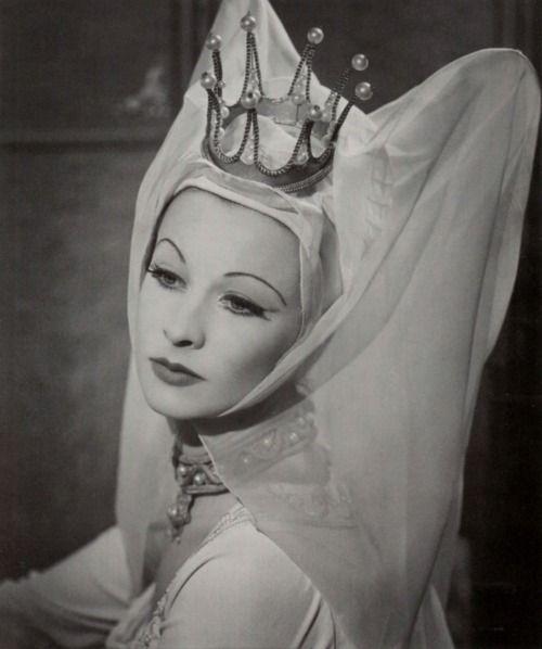 Vivien Leigh as Lady Anne, 'Richard III'