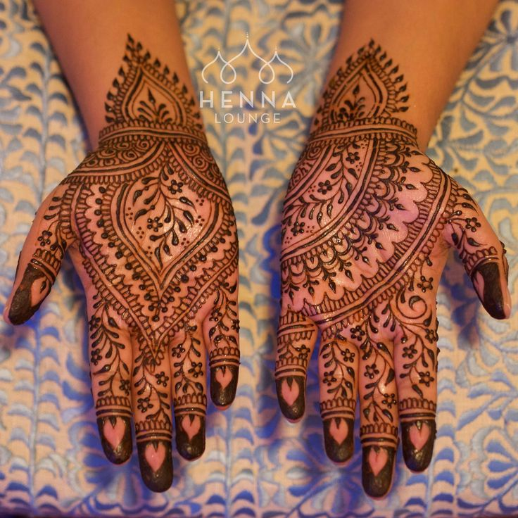 Had so much fun doing this design for a bangle ceremony (South Indian baby shower). henna lounge