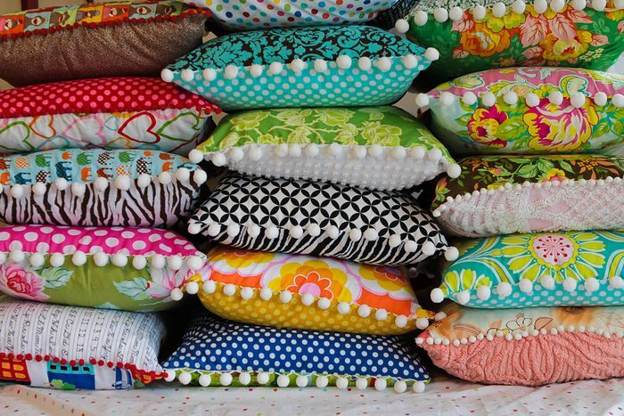 I can't wait to find some of that funny pouf-ball border.