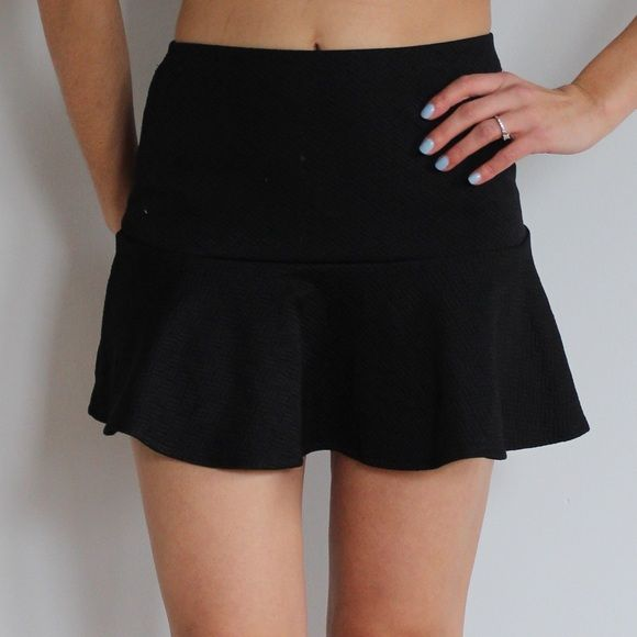 Bethany Mota for Areopostale Trumpet Skirt Bethany Mota for Areopostale Trumpet Skirt in black. Size small and mini skirt style with a fitted top and flare bottom. In excellent condition and never worn besides to try on. No trades sorry! Aeropostale Skirts Mini