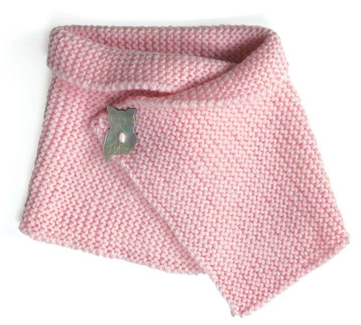 En route vers la douceur avec ce snood pour bébé tricoté avec la laine 100% Baby DMC .