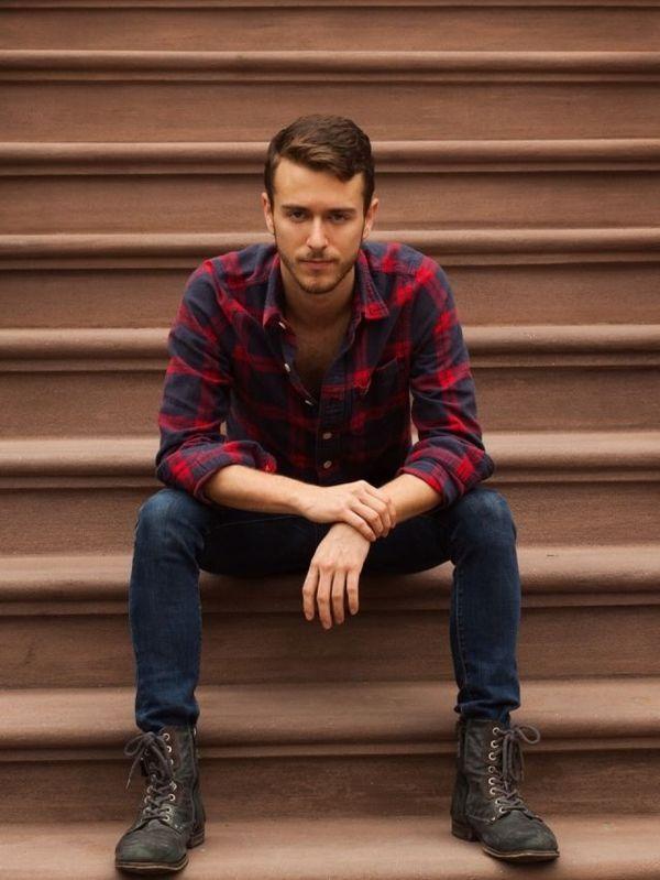 大人っぽく着こなすならチェックのシャツにデニムをオン。グランジのファッションコーデ