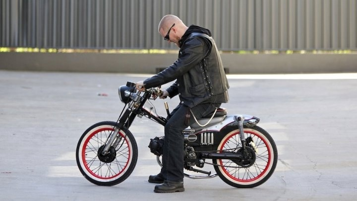 The Postie Bike of Death - Boon takes it for a shakedown test