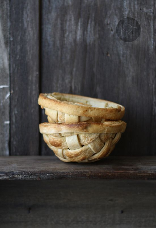 Edible bowls made from woven pie dough . . . .  photos and how-to instructions. Interesting idea!