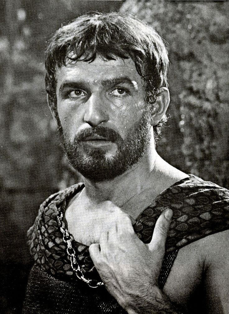 Bekim Fehmiu incarne Ulysse dans la série L'Odyssée de Franco Rossi (1968). ULYSSE est le personnage principal de l'Odyssée d'Homère. Il est le roi d'Ithaque (île grecque). Jeune marié, tout juste père, il doit partir avec d'autres rois mener la guerre contre la ville de Troie, en Asie Mineure.