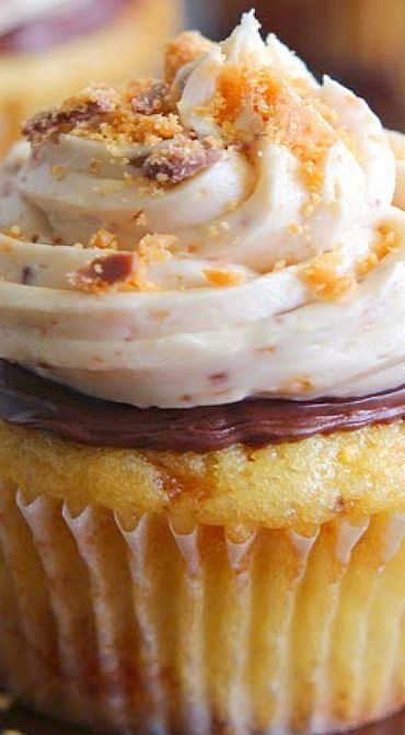 Butterfinger Nutella Cupcakes (chocolate desserts, chocolate cake, baking recipes)