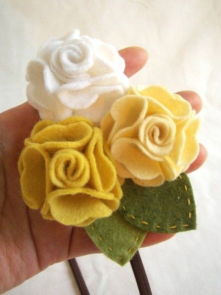 Felt roses, so cute.: Felt Flower Headbands, Yellow Geraniums, No Sewing Diy Felt Hair Bows, Teal Coral, Yellow Rose, Felt Rose, Geraniums Felt, Flowers Ideas, Felt Flowers Headbands