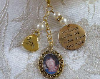 Ivory Swarovski Bead Gold Tone Mom Memorial Bouquet Photo Charm Wedding - £10.00 plus p&p