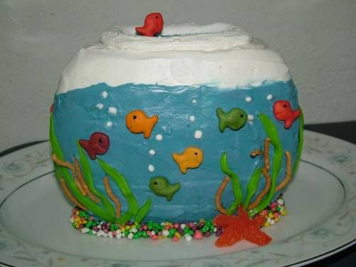 1000 images about fish cakes on pinterest birthday for Fish tank cake designs