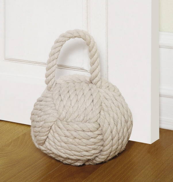 107 best images about nautical decor on pinterest ocean home decor nautical rope and crabs - Knot door stopper ...