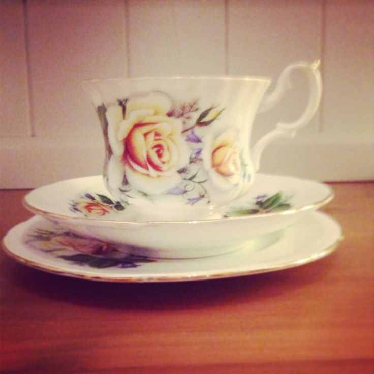 Another set! £6 for 12. Rose patterned. Adorable.