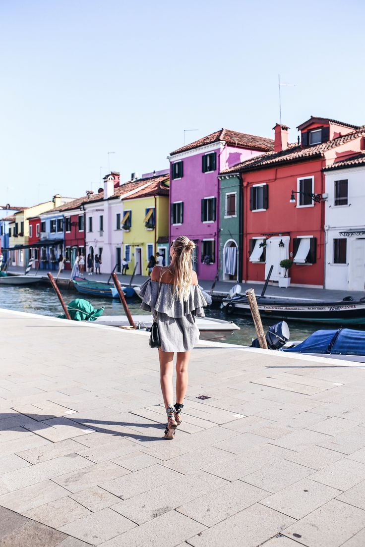 Obsessing all the colors of Burano, Venice | MLM Top, Miu Miu sandals: http://www.ohhcouture.com/2016/07/monday-update-28/ | #ohhcouture #leoniehanne #ohhvenice