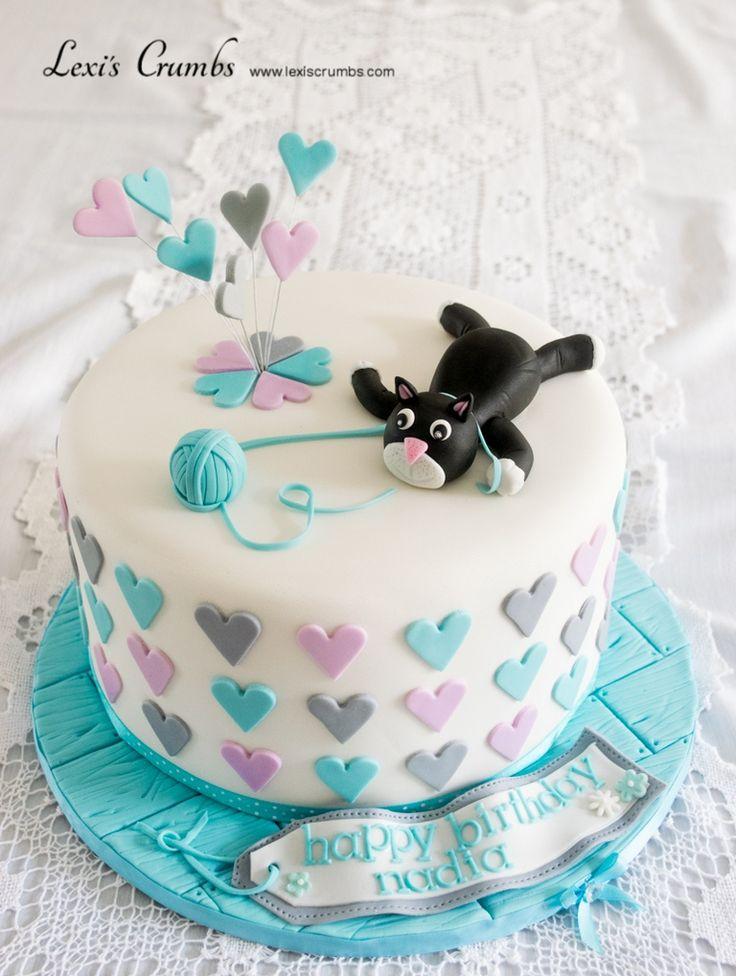 I heart cats cake www.lexiscrumbs.com