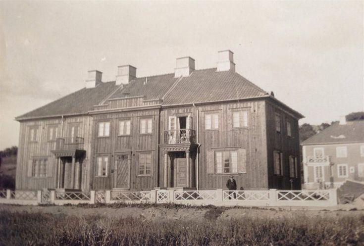 Börjades bygga år 1922.