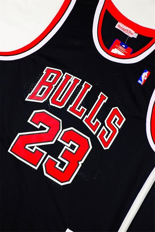 """Новые джерси Майкла Джордана в """"Bulls"""" доступны к заказу...  Баскетбольные майки и шорты команд NBA из США, детская баскетбольная форма НБА и все для баскетбола.  ✅Без предоплаты. ✅Только отличное качество. ‼️Сотни моделей в наличии на складе в Москве. Цены от 999 руб. Размеры от XXS до XXXL, также есть детские. Удобные варианты доставки, Россия, СНГ, ЕВРОПА. Курьеры, почта, возможность оплаты при получении.  заказ через наш сайт: http://www.formabasket.com контакты: +74994992399 e-mail…"""