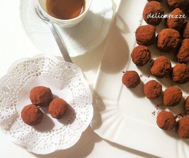 tartufi al cioccolato , ideali per accompagnare un buon caffè, un tè o un rum. scopri l ricetta!!!