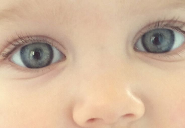 Baby eyes by THOLCANA