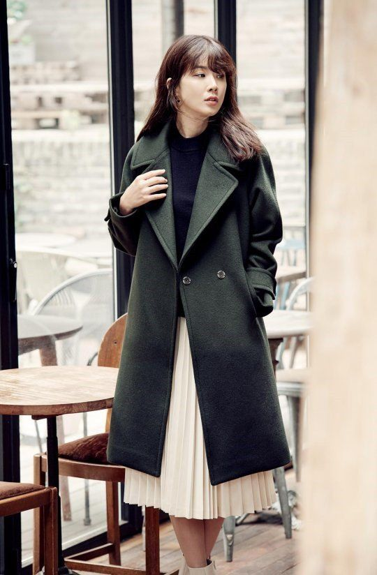Lee Bo Young models fall outerwear for fashion brand 'Daniel Hechter'…