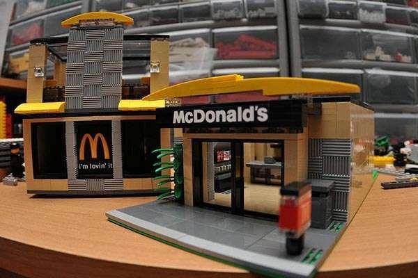 McDonald's Fast Food Restaurant LEGO Set
