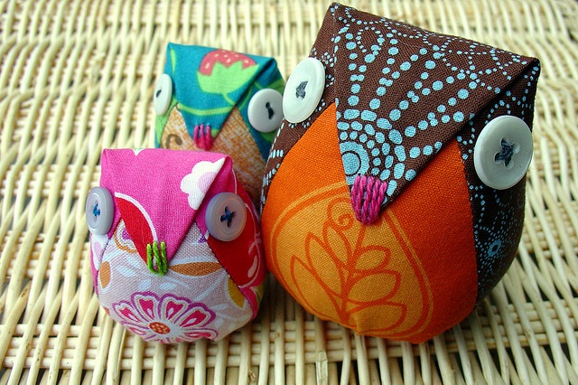Robin the Owl Hen. by boxsquare., via Flickr: Owl Pincushion, Nice Owl, Crafts Ideas, Owl Hens, Penguins, Plush Ideas, Handmade Crafts, Photo, Kids Toys