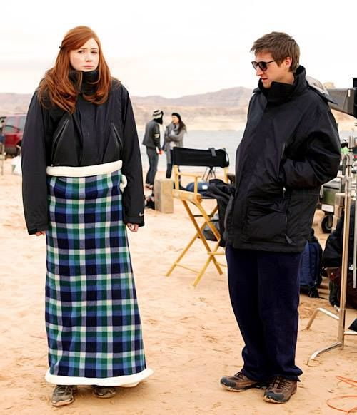 Behind the scenes of The Impossible Astronaut. Karen looks so cold. Arthur's face.