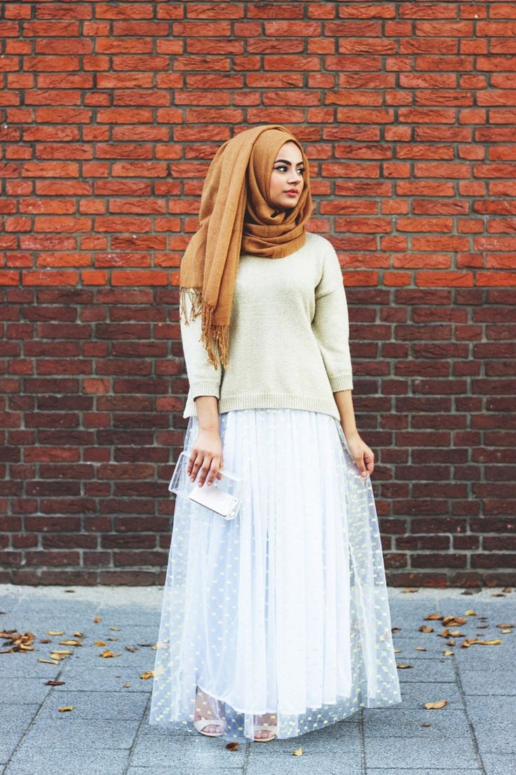 THE WHITE TUTU — Ruba Zai