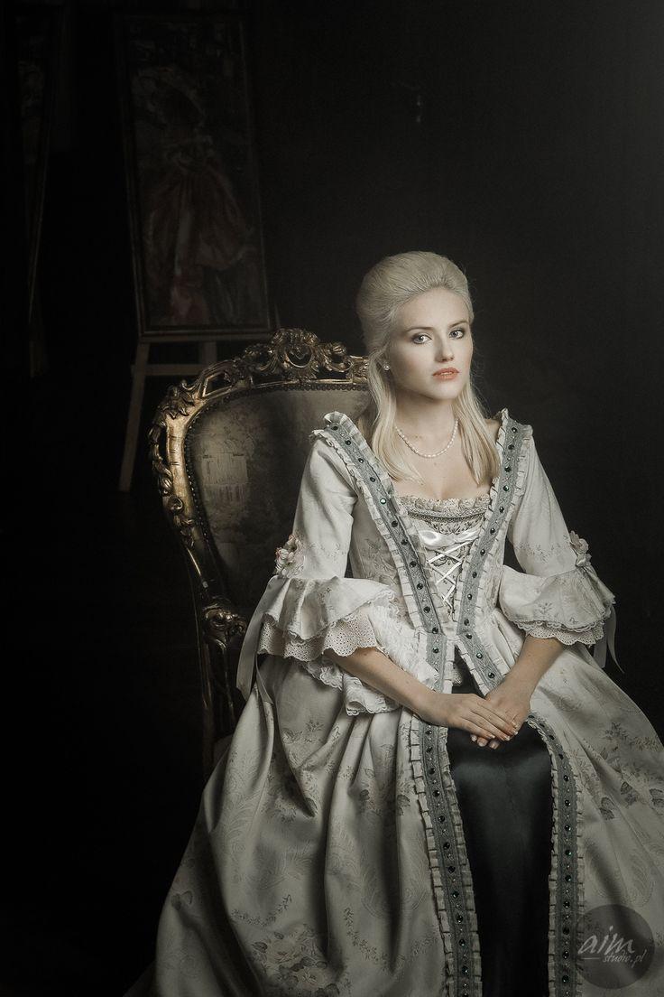 Madam - Model: Kamila Mika  Make-up: Roxana Chmielewska Make-up  Dress: Ewa Jobko - Costume Designer