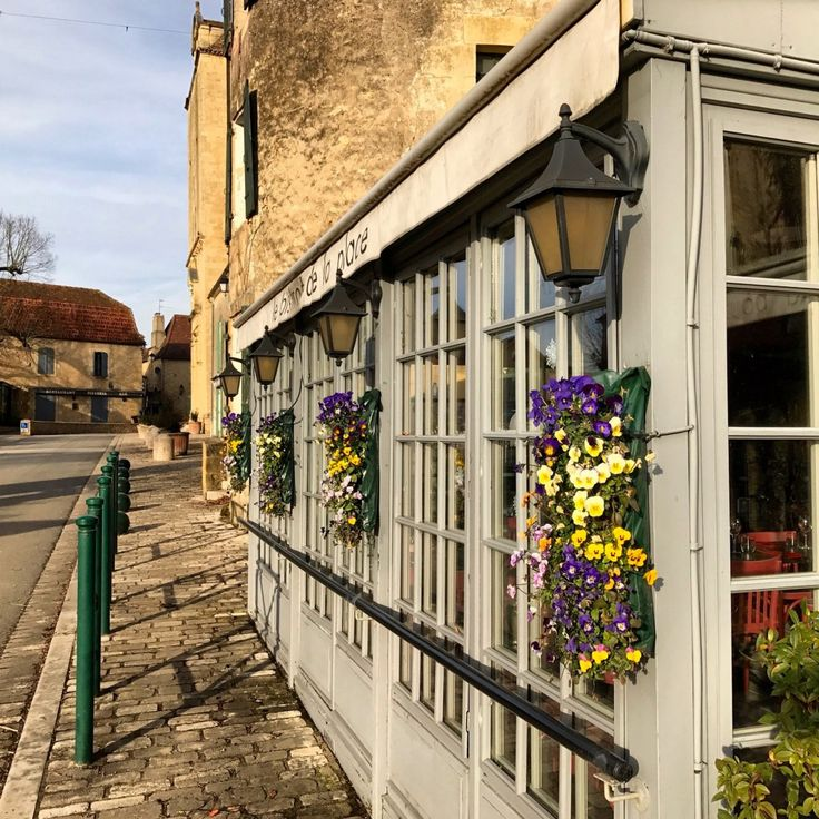 A list of our top picks of restaurants in Tremolat, France!