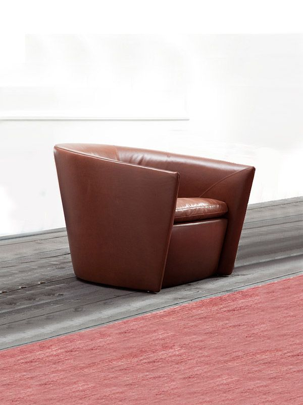Canzone armchair
