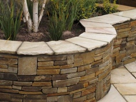 Quartz Raised Bed with Sandstone wall capping