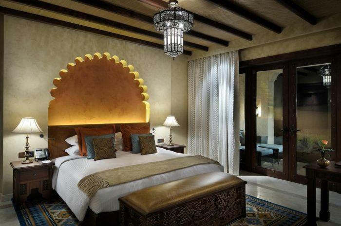 Orientalische Dekoration Fur Das Schlafzimmer Bett Design In Weiss