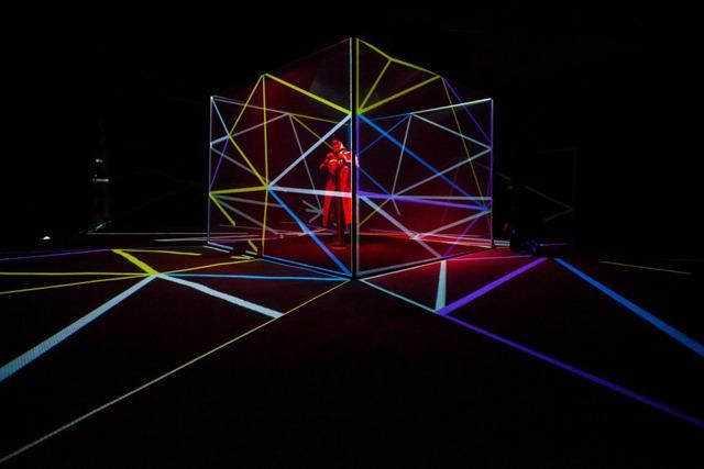 Jamie Lidell Controls A Stunning Projection Mapped Cube Using A Mic Stand - Creators