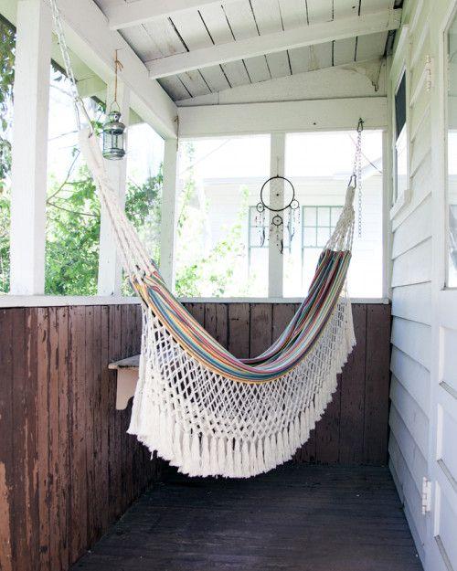JARDIN -  tiny back porch (via Design*Sponge)