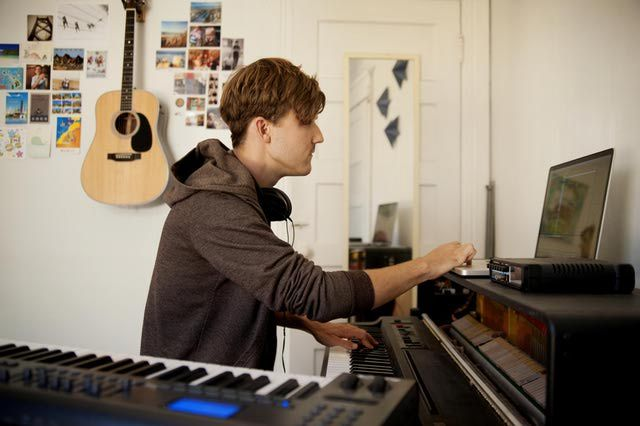 What to Know About Online Music Courses