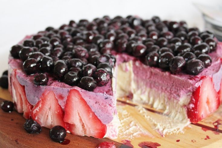 Blueberry Strawberry Banana Ice Cream Cake | One Green Planet