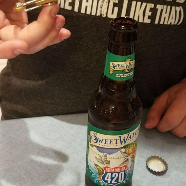 My gold @adultfidgetgadgets came in! So cool 3 in 1 fidget spinner! Spinner + Bottle Opener + Keychain = perfect for us beer lovers #adultfidgetspinner #fidget #fidgetspinner #bottleopener #beer #beers #beerpics #instabeer #lovebeer #beerlove #beerlover #craftbeers #craftbeer #craftbeerlove #beerofinstagram #craftbeerlover #ilovebeer #beerisculture #beergasm #sweetwaterbrewing #beerselfie #beerislife #beergear #keychain #bottleopeners #sweetwater420 #sweetwaterbrewery #bier #biere…