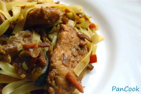 Warzywa z makaronem po chińsku/Vegetables with noodles in Chinese