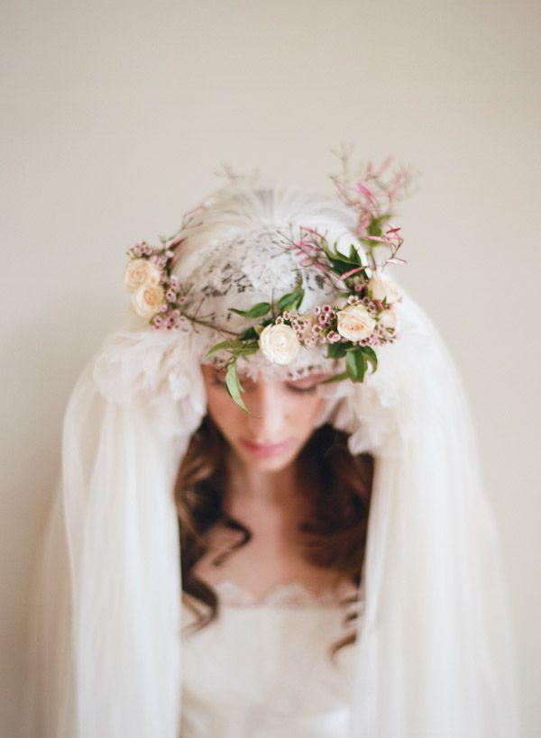A Fresh Flower Wedding Crown #rusticweddinginspiration #rusticwedding