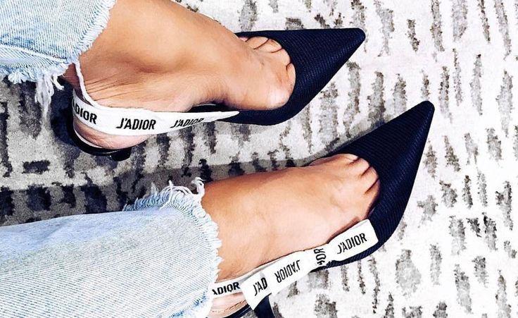 """Diese Schuhe will gerade jeder: Die Slingback-Pumps aus der Dior """"J'adior""""-Kollektion."""