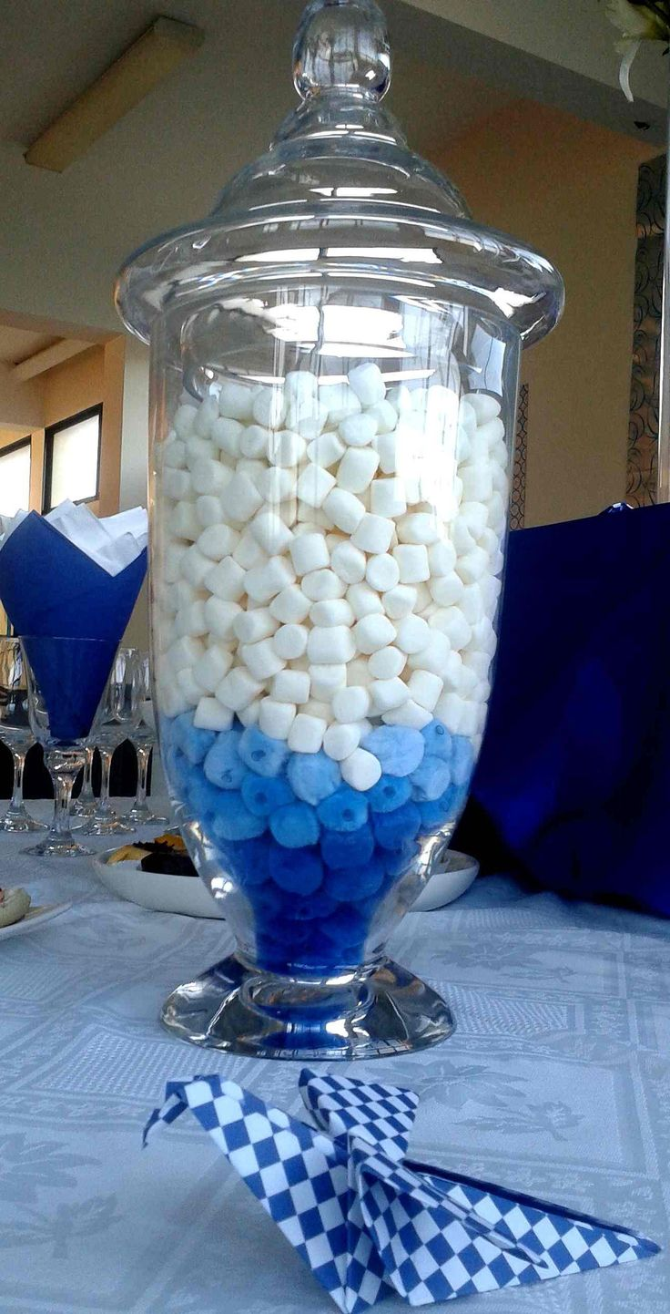 Decoración con marshmallows y pájaros de origami.