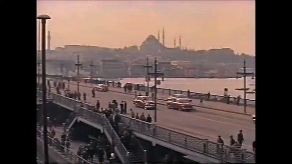 """Caner Cangül on Twitter: """"Elmas kaçakçısının tekrar döndüğü İstanbul'da öldü sandığı kadını bulması konulu  """"İstanbul"""" filminde 57 sn'de 1957 İstanbulu. https://t.co/rlJwWuII6L"""""""