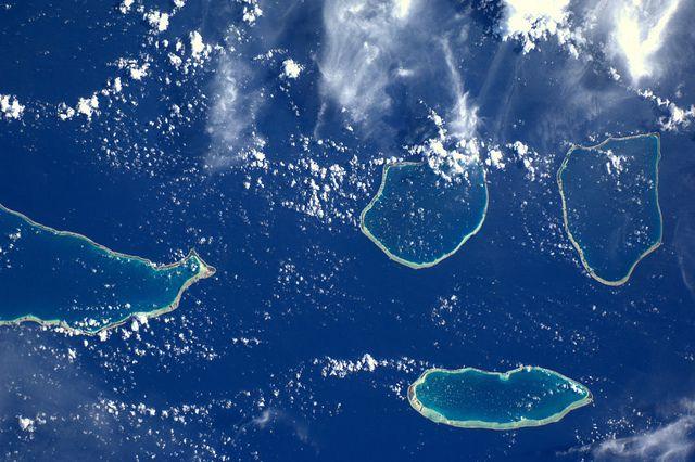Rangiroa, Aratua, Kaukura, Apataki. Enige van de sieraden van Frans-Polynesie in de enorme Stille Oceaan, via Flickr.