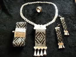 Resultado de imagen para artesana joyas eñ plata y telar trapelacucha