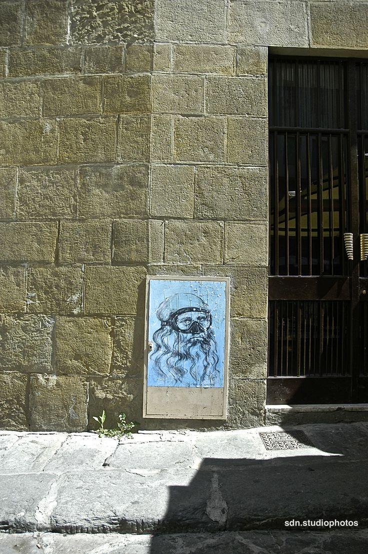 """Blub, """"L'arte sa nuotare"""". L'autoritratto di Leonardo da Vinci in Piazza Santa Felicita, Firenze (Toscana, Italy) - by Silvana, aprile 2014"""